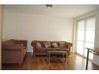 2 bedroom flat in Wilmslow Road, Manchester, Fallowfield