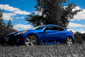 2010 Hyundai Genesis Coupe 2.0T (Leather, Sunroof, Winter Tires)