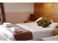 ENSUITE - COUPLE OR SINGLE PERSON - MINUTE WALK FROM BEACH £180 PER WEEK