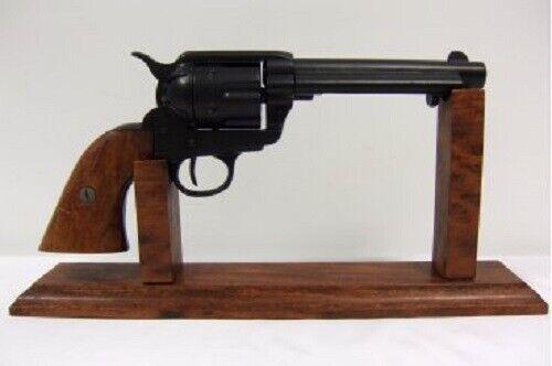 Revolver caliber 45 Peacemaker 5½ Dark colt