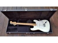 Fender Stratocaster White Great Condition with Hard Case + Extras