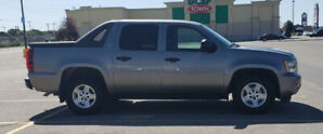 2008 chevy Avalanche. in great condition. $14999.99 O.B.O