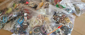 Over 1500 pcs of fashion jewelry.  Over 50 pounds. Bracebridge.