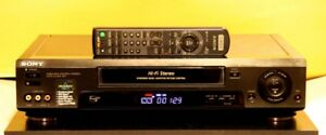 Sony Pro Editing VHS VCR Model SLV-779HF With Remote.