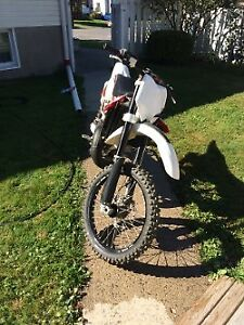 2010 Husqvarna CR125 bored out to 144cc