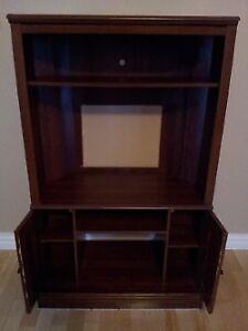 Free Entertainment Stand