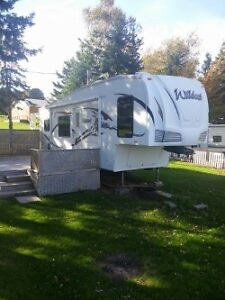 2009 Wildcat 5th wheel 28rkbs