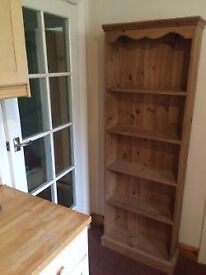 Pine bookcase with 4 shelves