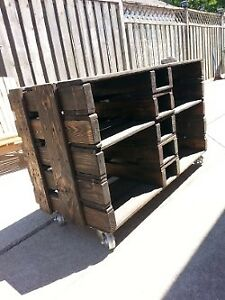 Reclaimed Pallet TV/ENTERTAINMENT STAND