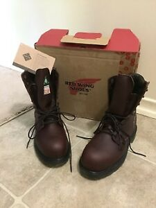 Brand New REDWING Work Boots (Never Worn) Size 6 Mens