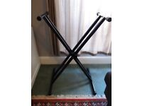 Keyboard Stand - Stagg Double Cross