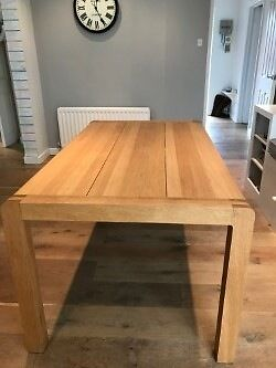 habitat radius small oak dining table - very good condition, used