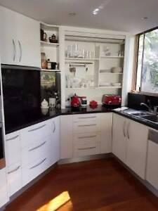 Used Kitchen Bardon Brisbane North West Preview