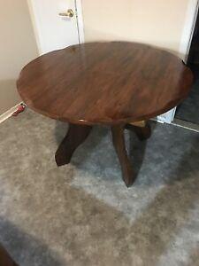 SUPER  TABLE EN CHENE MASSIF REFAIT A NEUF DOIT PARTIR  PA PLACE