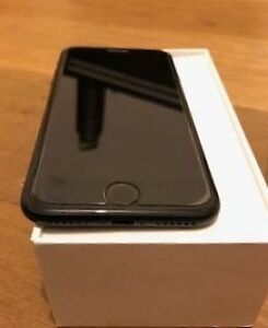 Mint condition iphone 7 32gb unlocked with box