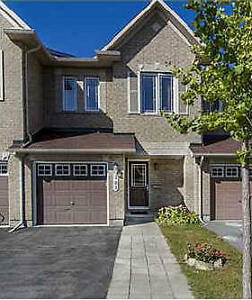 Townhouse for rent in Barrhaven/Chapman Mills – Avail. Oct.1st