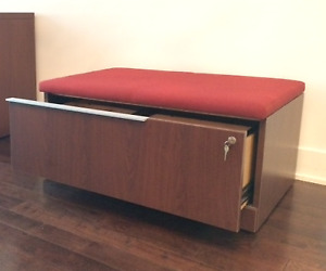 2 File cabinet bench (Steelcase) / Classeur dossiers banc 199$ch