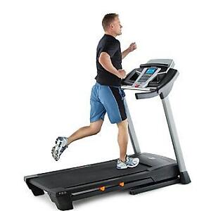 Like New NORDICTRACK T5.5 TREADMILL High Quality Full Size