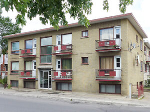 !!!! BIG SPACIOUS APARTMENT FOR RENT near St-Michel. !!!!