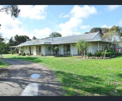 306 QUALITY ACRES 5 BEDROOM HOME