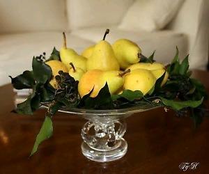 40 artificial pears per box