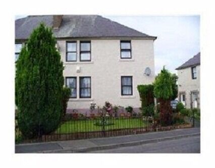 BRIGHT AND SPACIOUS UNFURNISHED GROUND FLOOR FLAT SITUATED IN THE BIRKENSIDE ESTATE IN GOREBRIDGE