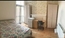 Spacious Double Room to rent in Haringey, N17. Female professionals only.
