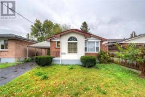 Great Bungalow - 3+2 Bed Main Floor Rent $1300! Best Investment!