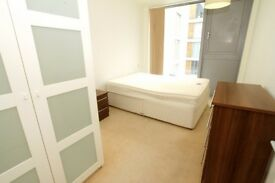 ***MODERN 2 BEDROOM/2 BATH ON STADIUM MEWS, ARSENAL N5***
