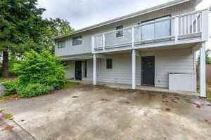 Sechelt District House for sale:  5 bedroom 2,576 sq.ft.