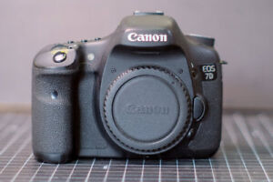 Canon EOS 7D DSLR, Camera Body, Battery, Charger, Strap