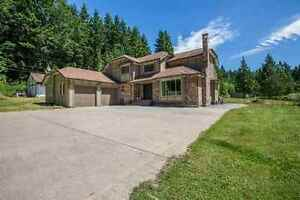 Roberts Creek House for sale:  4 bedroom 2,368 sq.ft.