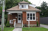 4 Bedroom Rental, Walk to DT and UWO, Individual or Group Welcom