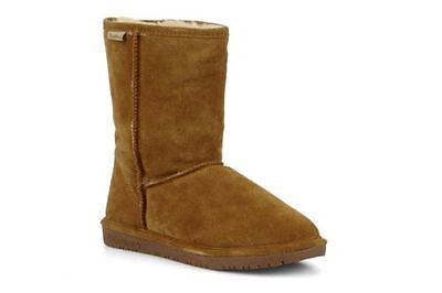 An example of a Bearpaw ugg boot.