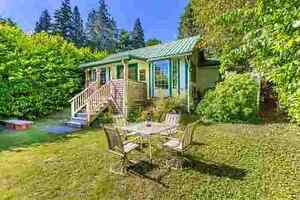 Gibsons & Area House for sale:  2 bedroom 861 sq.ft.