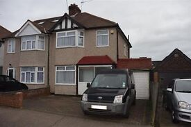 Four Bedroom House to rent in Burnt Oak, Edgware
