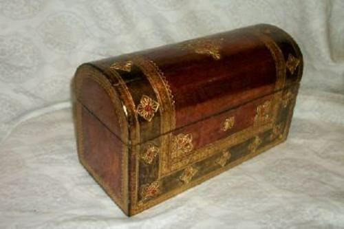 ITALIAN FLORENTINE GILT WOOD DOME BOX COPPER GREEN LOCK VINTAGE MID CENTURY