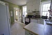 Sackville - 10 Park Street: Large 6 Bedroom house next to campus