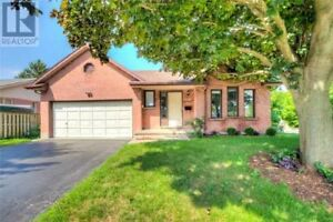 Attention First Time Buyers & Investors, This Rarely Offered!!