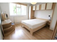 Immaculate 2/3 Bedroom flat with GARDEN to rent in residential street Kentish Town tube minutes walk
