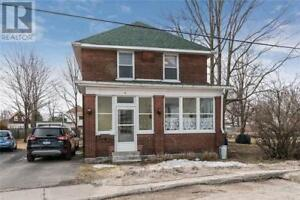 Beautiful 5 bedrooms single house in Smiths Falls