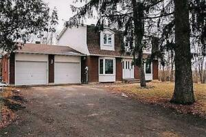 Country Style Living in Barrhaven!!