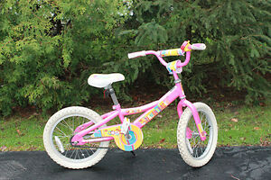 Girls DiamondBack bike