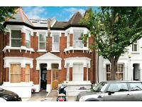 A bright and presentable two double bedroom flat in Bronsart Road SW6, Muster village