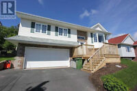FOREST HILLS!  4 BEDROOM + 2 BATH FAMILY HOME!
