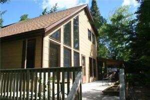 4-SEASON LAKEFRONT CABIN RENTAL