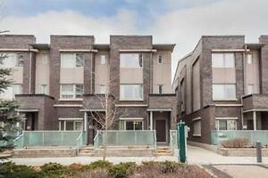 Gorgeous 3-St T/House Condo In Fine Location At Village Green St