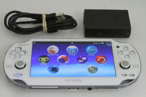 *****PS VITA BLANCHE A VENDRE / WHITE SONY PLAYSTATION PS VITA FOR SALE!*****