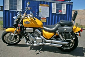 Motorcycle rental 750cc Cruiser