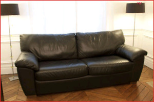 Ikea leather sofa, delivery included within Vaudreuil